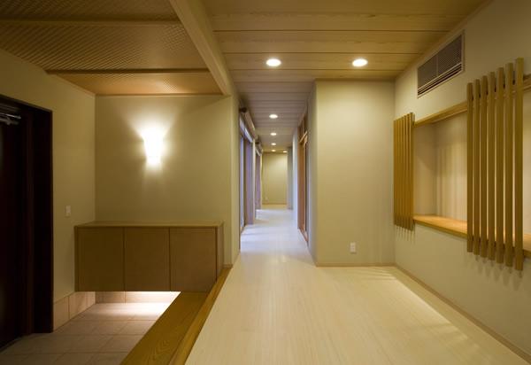 お茶席へ続く廊下